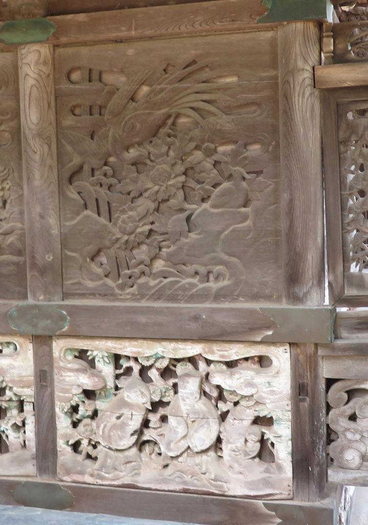 本殿東側羽目板右端写真