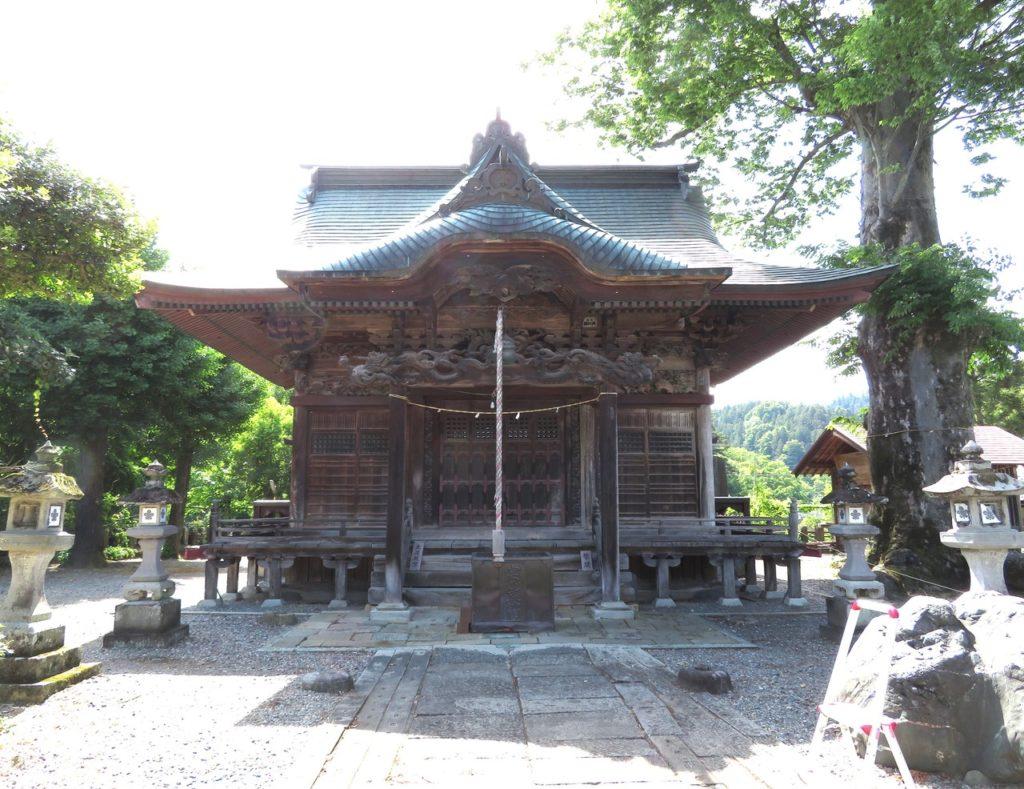 諏訪神社拝殿正面