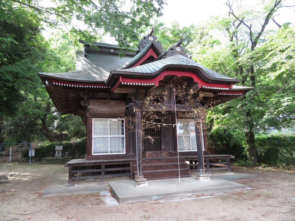 鳥総神社拝殿