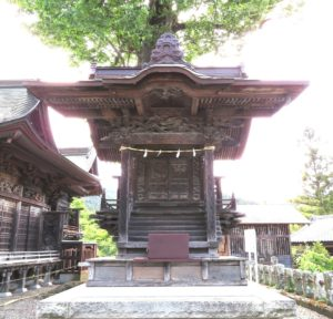 近戸神社正面