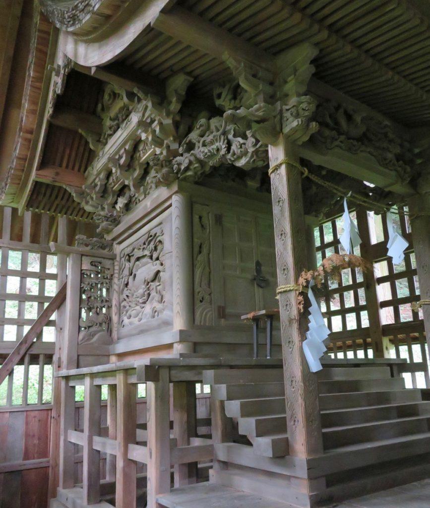 菱野健功神社本殿