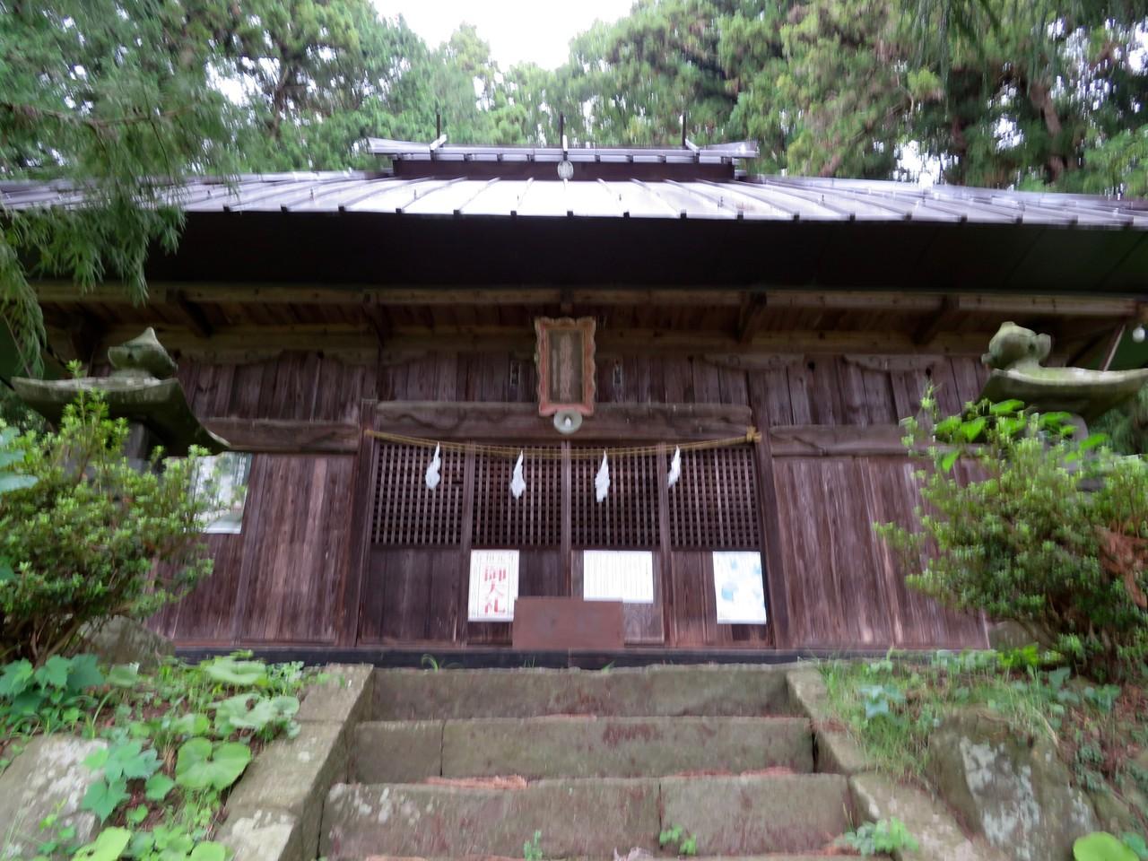 菱野健功神社社殿