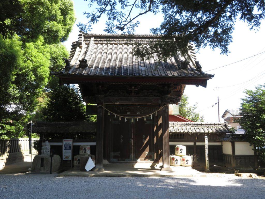 日蓮寺山門