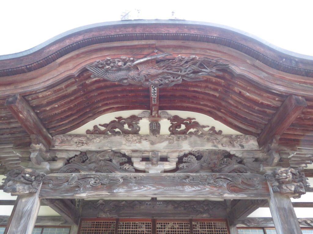 霊松寺向拝