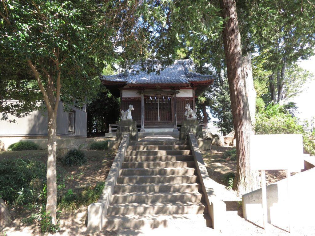 若泉稲荷神社拝殿