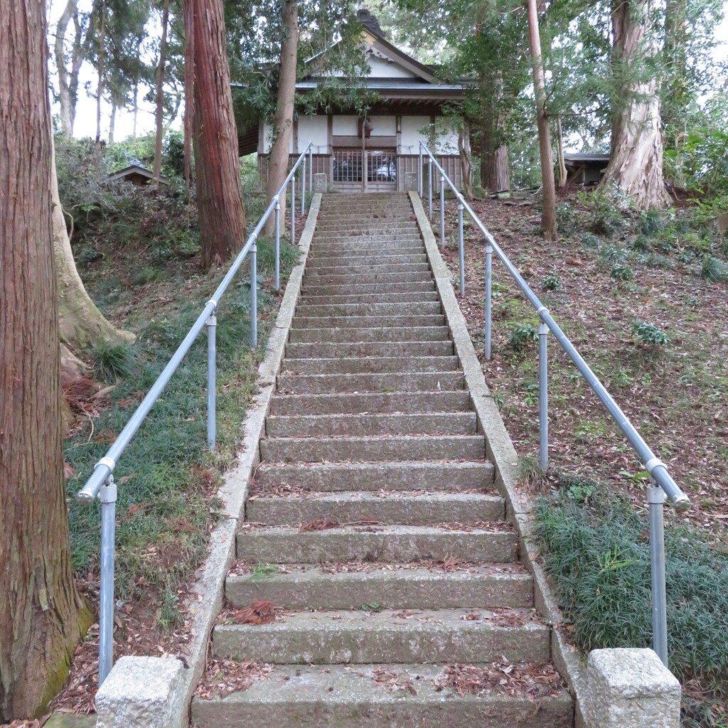 社殿に続く階段
