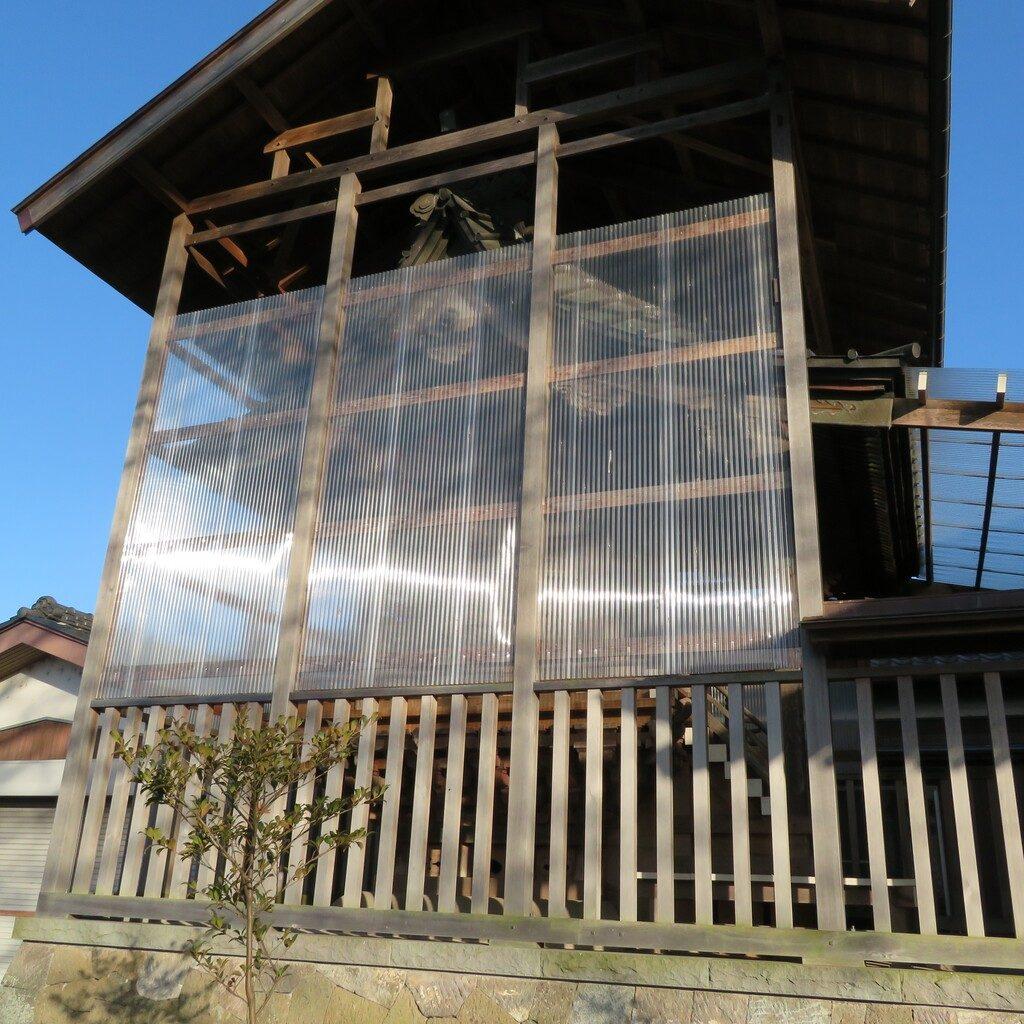 大桑神社覆屋