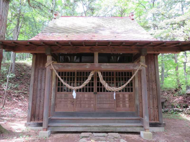 宮上諏訪神社拝殿