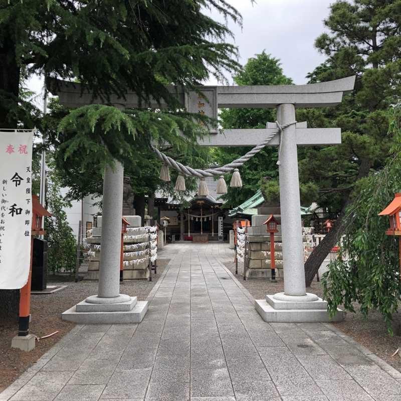 草加神社鳥居