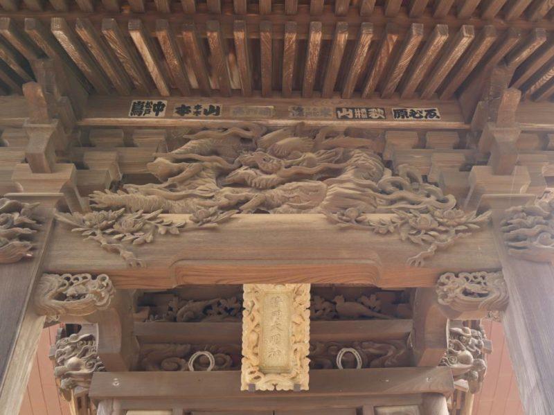 将門神社向拝の龍
