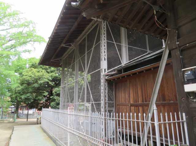 舎人氷川神社覆屋