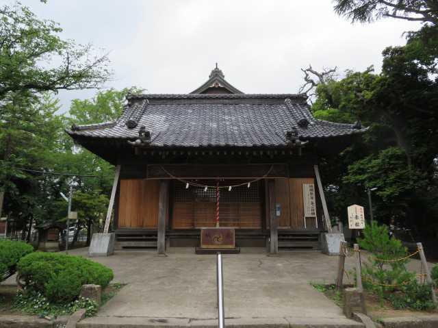 舎人氷川神社拝殿