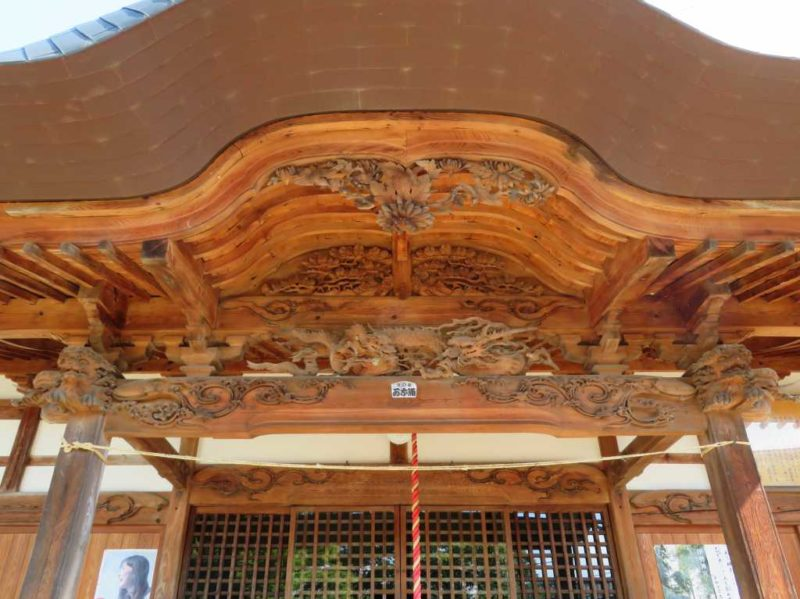 横尾神社拝殿向拝