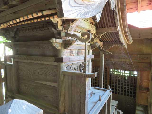 戸澤神社御本殿背面