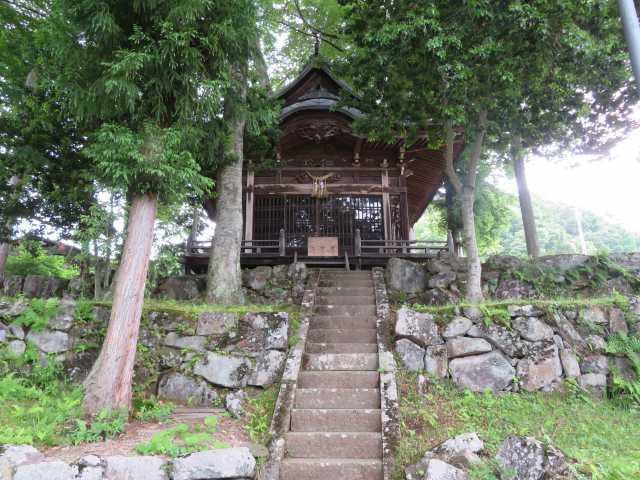 瀬神社社殿