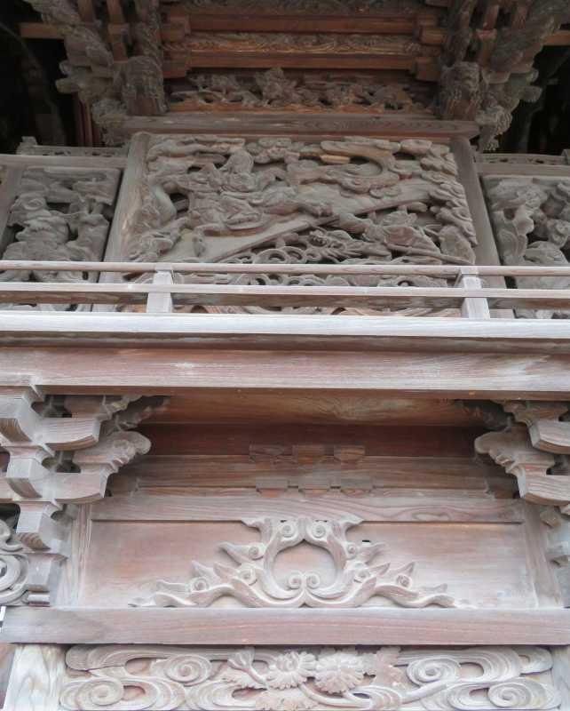 三輪神社御本殿背面