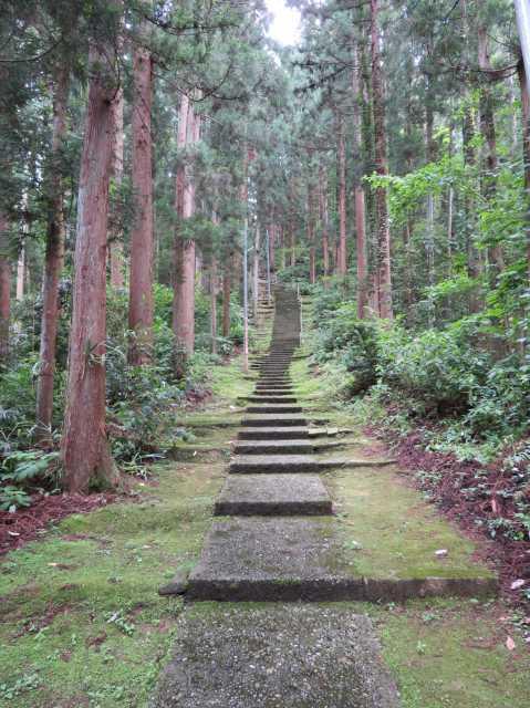 石動神社参道