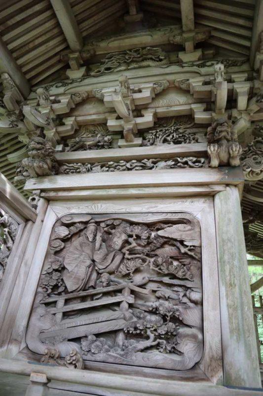 石動神社御本殿左面