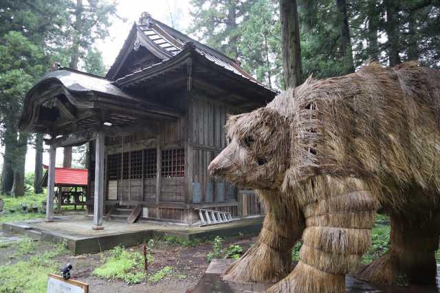熊野神社のクマ
