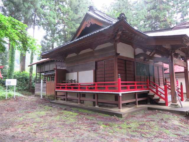 月夜野神社社殿