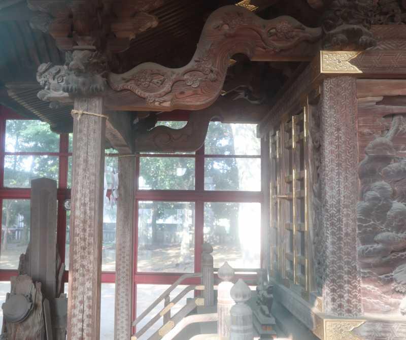 秋津神社御本殿向拝右側面