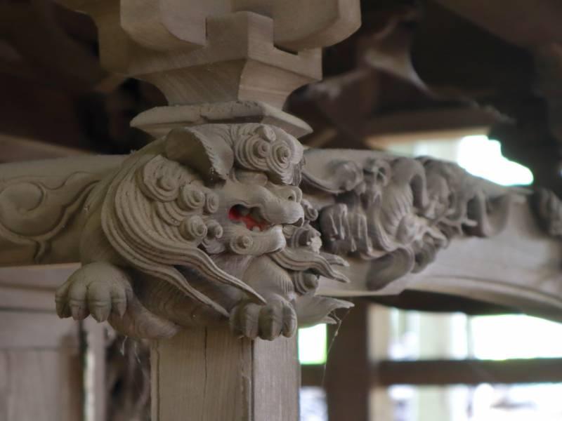 木鼻の獅子