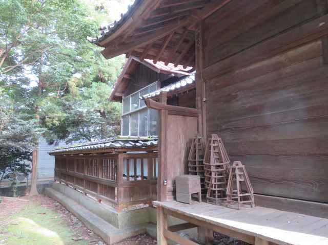 楠木神社覆屋