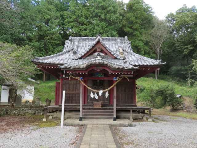 露垂根神社拝殿