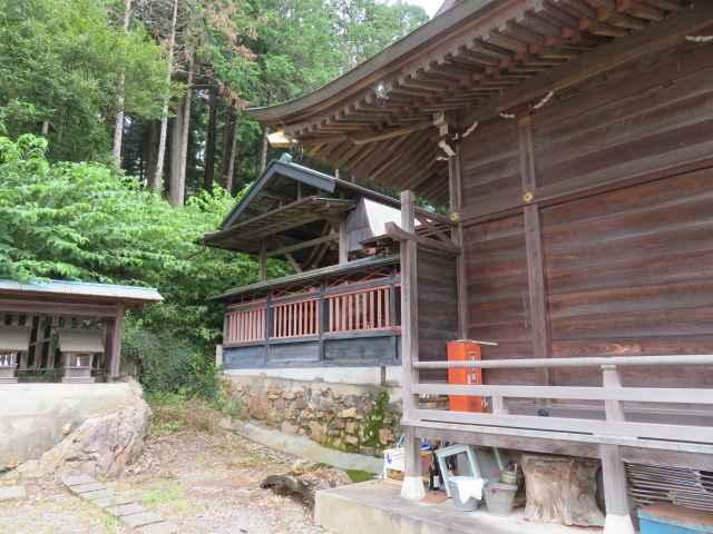 小梥神社社殿