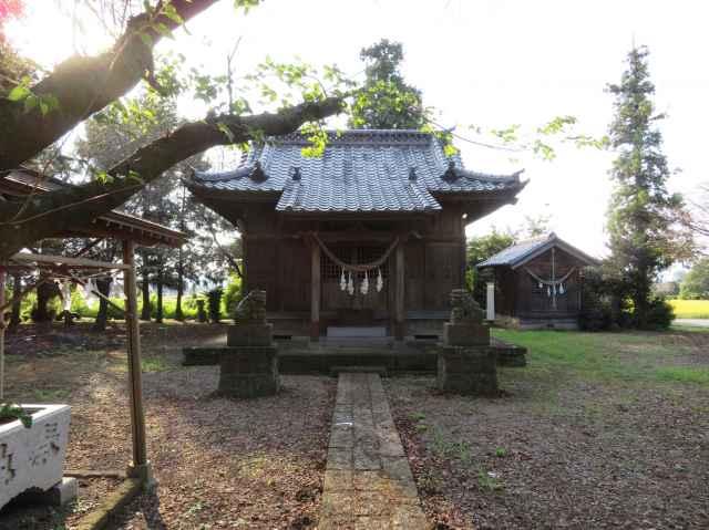 八龍神社拝殿