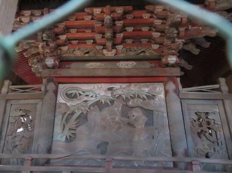 篠塚稲荷神社御本殿背面
