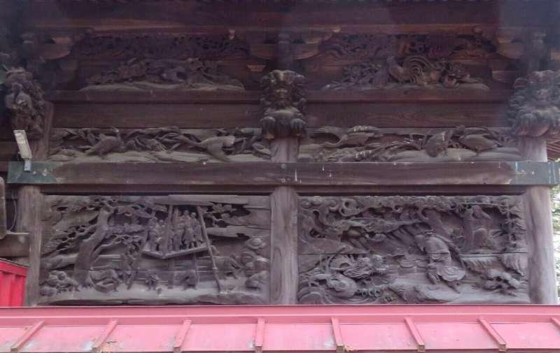 須影八幡神社右面胴羽目