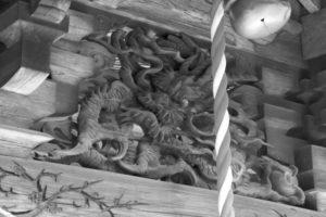 堀口天満天神社 向拝の龍