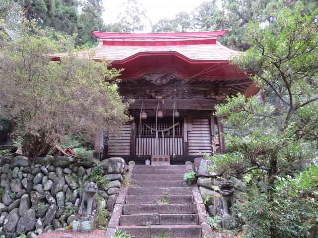 月波神社拝殿