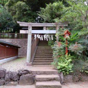 小谷田氷川神社境内社鳥居