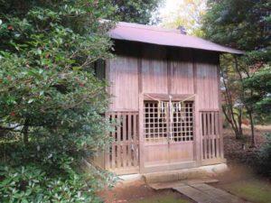 鳥見神社本殿覆屋