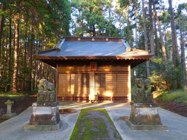 稲荷側鷹合神社拝殿