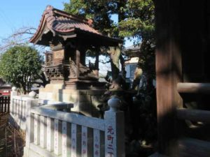 六塚稲荷神社御本殿
