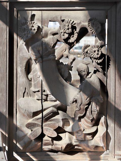 八坂神社御本殿左側脇障子