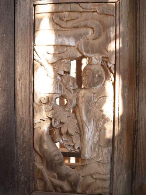 鹿島神社本殿右側脇障子