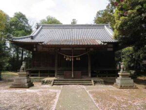 楡山神社拝殿