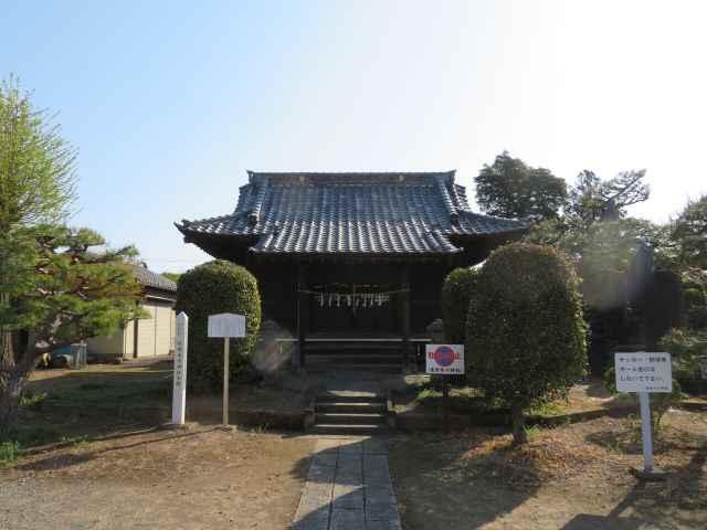 産財氷川神社拝殿