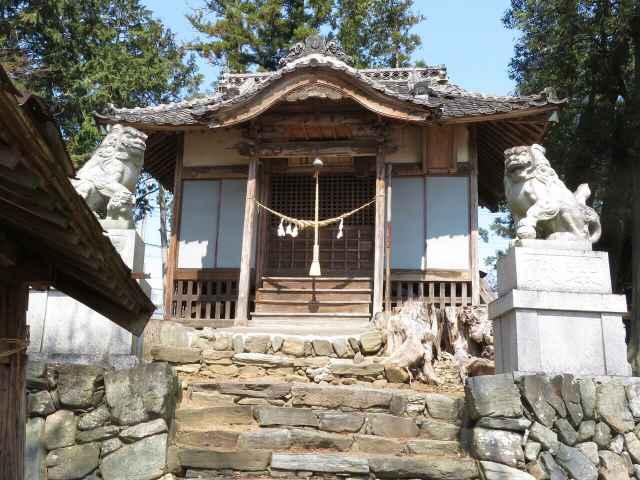 西大澤神社拝殿