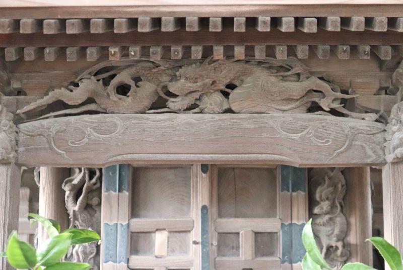 愛宕神社御本殿向拝の龍
