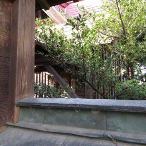 八幡若宮八幡神社御本殿覆屋