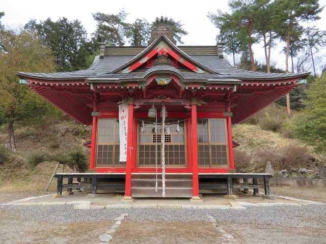 三騎神社拝殿