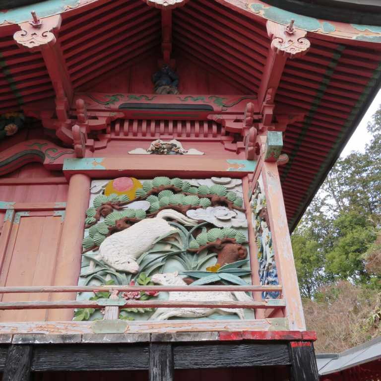 三騎神社御本殿東面