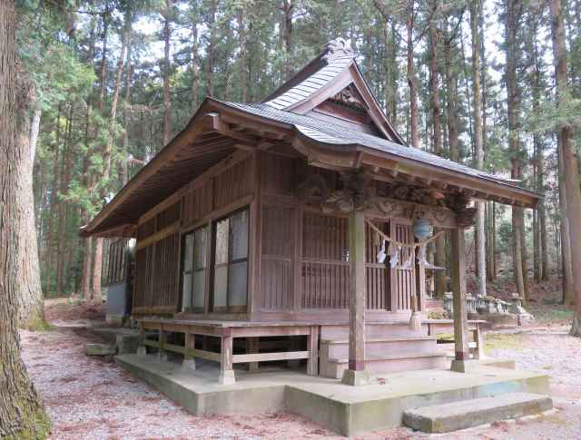 丸嶽山神社社殿