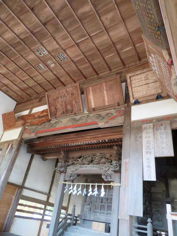 稲乃比売神社社殿内部