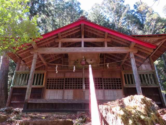 砥山神社拝殿